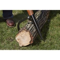 Ironton® Wooden Handle Peavey's durable hardwood handle is fitted with a drawn carbon steel spike and hook for a long life of handling, prying and pushing logs. Handle is ergonomically shaped with a lacquer finish.