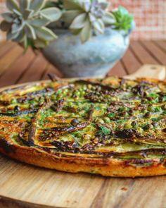 Farinata di ceci con asparagi zucchine e piselli - Il gusto di Andre Salmon Burgers, Vegetable Pizza, Quiche, Vegan Recipes, Vegan Food, Food Porn, Vegetables, Breakfast, Ethnic Recipes