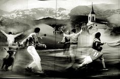 Pays Basque : chistera, pelote à main nue, corrida, danse basque