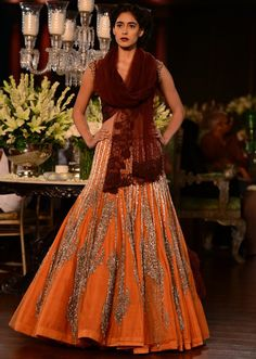 Manish Malhotra heavy ethnic collection inspired bythe silhouettes of royality at  PCJ Delhi Couture Week 2013 MM76