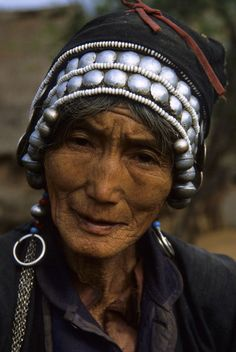 Portrait of a Old Hani Woman, National Minority.  Xishuang Bana, China |  © Wolfgang Kaehler