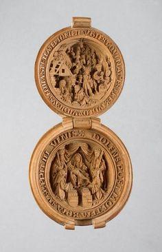 Buxo Esculpido Rosário Gaud ou Nut. c.1480-1530. interior - / Boxwood Carved Rosary Gaud or Nut. c.1480-1530. Interior -