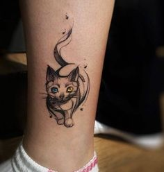 Gorgeous eyed cat tattoo by rodferod. Cat tattoos are for those of us who truly love and cherish our furry living room beasts. Cute, cuddly and mischievous, these cat tattoos will no disappoint. Ankle Tattoos, Henna Tattoos, Love Tattoos, Body Art Tattoos, Small Tattoos, Tattoos For Women, Hand Tattoo, I Tattoo, Tattoo On Calf