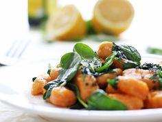 DIY-Anleitung: Süßkartoffel-Gnocchi mit Spinat selber machen via DaWanda.com