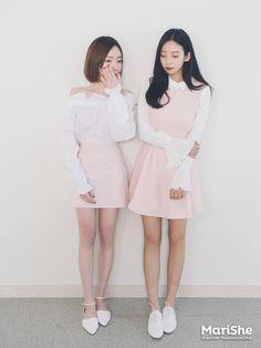 Korean Fashion – How to Dress up Korean Style – Designer Fashion Tips Korean Fashion Trends, Korean Street Fashion, Korea Fashion, Asian Fashion, Hijab Fashion, Fashion Outfits, Pink Fashion, Fashion Beauty, Fashion 101