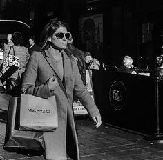 https://flic.kr/p/GgDmuc   Argll Street London   Vivian Maier project Film acros 100 Yashica 24 tlr 02240002.jpg