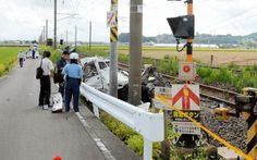 トラックが列車と衝突運転手死亡 JR長崎線の踏切 - 朝日新聞