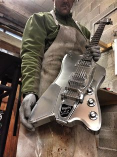 meloduende guitars                                                                                                                                                                                 Plus