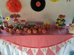 mesa de dulces tematca la granja