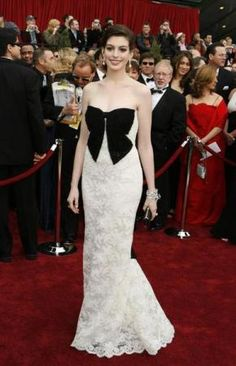 Anne Hathaway in 2007. REUTERS/Lucas Jackson