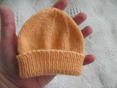 Ravelry: Hat for premature babies. pattern by Ann Baker ~ Link correct and pattern is FREE when I checked on 26th March 2015**