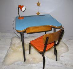 Bureau dcolier bleu Pour les enfants Pinterest