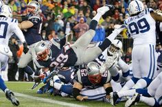 New England Patriots running back LeGarrette Blount (29) dives into the end zone for a touchdown. (Matt Slocum/AP)