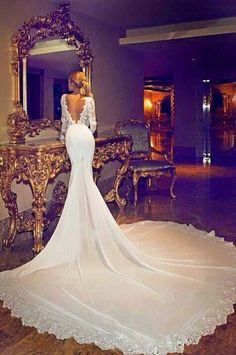 Long sleeve fishtail wedding dress