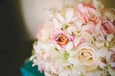 Bride's Bouquet / The rings / Chicago wedding / Chicago wedding planner / Wrap it Up