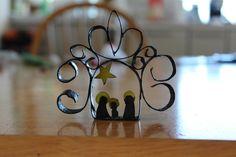Presépios Reciclados - Mini Presépio de Natal - rolo de papel higiénico - Ideias com material reciclavel - Brinquedos de Papel