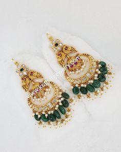 Jewelry Design Earrings, Gold Earrings Designs, Emerald Jewelry, Beaded Jewelry, Gold Jewelry, Gold Designs, India Jewelry, Fine Jewelry, Diamond Earrings Indian