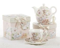 Gift Boxed Porcelain Tea Cup (Teacup) & Saucer - Playful Kittens