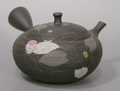 Japanese Tokoname teapot by Shoryu.