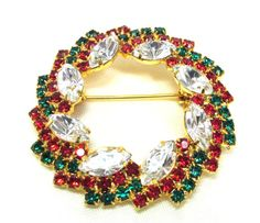 Designer Rhinestone Christmas Wreath Pin by MickisVintageJewelry, $16.95