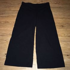 Eileen Fisher Gaucho Pants Black Crop Size PP (XS/0-2) GUC Wide Stretch Jersey #EileenFisher #CaprisCropped