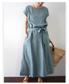 The perfect summers dress in the most beautiful shade of blue!Linen dress with beltinspiration for linen sewing Simple Dresses, Casual Dresses, Summer Dresses, Outfit Summer, Casual Summer, Modest Fashion, Fashion Outfits, Womens Fashion, Ethical Fashion