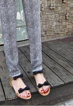 2 Bows Sandals - Gold | UrbanPUF | ASOS Marketplace