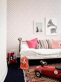 In dit appartement maakt de bank echt een statement! - Roomed | roomed.nl