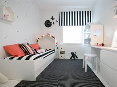 11 x lastenhuone E Room, Kids Room, Home Bedroom, Girls Bedroom, Mcm House, Big Girl Rooms, Kid Spaces, Home Remodeling, Living Room Designs