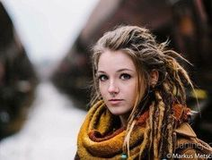 Dreadlocks More - Beautiful Woman Quotes Dreadlocks Girl, Blonde Dreads, Dreads Women, Locs, Dreadlock Hairstyles, Cool Hairstyles, Rasta Girl, Beautiful Dreadlocks, Pretty Dreads