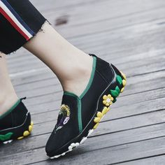 #chiko #chikoshoes #shoes #fashion #fashionable #style #lookbook #fall #winter #autumn #new #best #streetstyle #chic #trend #streetfashion #sneakers #flower #embroidery
