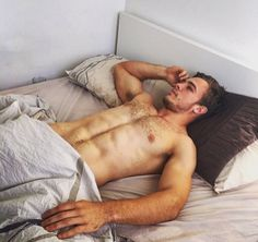 Just waking up Rainbow Boys, Rugby Men, Bear Men, Hairy Chest, Pillow Talk, Male Body, Beautiful Men, Hot Guys, How To Look Better