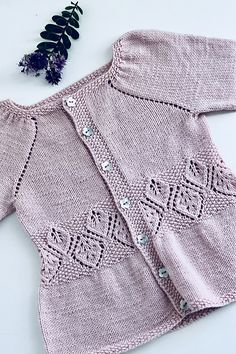 Ravelry: Lavinia Cardigan pattern by Anne Dresow Kids Knitting Patterns, Baby Sweater Knitting Pattern, Knitted Baby Cardigan, Cardigan Pattern, Knitting For Kids, Short Tejidos, Crochet Bebe, Work Tops, Baby Sweaters