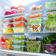 The Eat to Live Fridge Tips to help you make your fridge a tool for healthy-eating success! Learn the 12 key items for your Eat to Live fridge and get free helpful printables! Manger Healthy, Healthy Fridge, Nutritarian Diet, Refrigerator Organization, Organized Fridge, Kitchen Organization, Organizing, Keto Calculator, Clean Eating