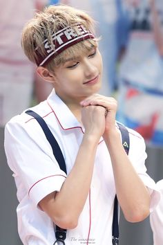I still love the one part in Aju Nice where Jun is the center! Woozi, Wonwoo, Jeonghan, Seungkwan, Seventeen Very Nice, Seventeen Debut, Shenzhen, Kpop, Vernon Chwe