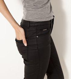 Pantalon slim enduit femme Pantalon Slim, Skinny, Pulls, Black Jeans, Fashion, Cement Render, Woman Clothing, Skirt, Moda