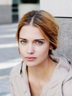 Willkommen auf der Website von Nachwuchsschauspielerin Laura Berlin - News, Bilder, Kontakt