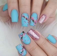 Cherry blossom is the national flower of Japan. Cherry blossom nail art design is one of the most cherished nail art designs for women. This special nail art is common among the Japanese women. Cherry blossoms are mainly pink, petals are light pink Trendy Nails, Cute Nails, Spring Nails, Summer Nails, Hair And Nails, My Nails, Cherry Blossom Nails, Cherry Blossoms, Romantic Nails