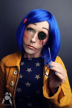 Coraline 31 Days Of Halloween Oct. 5 Coraline Model/Makeup/Styling/Photography: Me Looks Halloween, Clever Halloween Costumes, Up Costumes, 31 Days Of Halloween, Halloween Cosplay, Halloween Face Makeup, Coraline Halloween Costume, Costume Ideas, Tim Burton Halloween Costumes