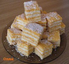 PREPARARE: Foi: Freci zaharul cu bulionul si uleiul, adaugi apa si fain act… Romanian Desserts, Romanian Food, 80s Party Foods, Easy Desserts, Dessert Recipes, Dessert Simple, Good Food, Yummy Food, Sweets Cake