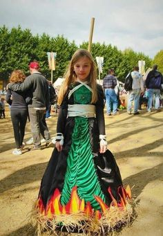 Incredibly creative and amusing Halloween costumes that will inspire. Witch Costumes, Game Costumes, Creative Halloween Costumes, Halloween Kostüm, Halloween Cosplay, Holidays Halloween, Diy Costumes, Halloween Decorations, Costume Ideas