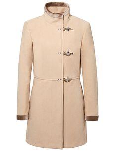 290dc4da2a4b61 Un cappotto dal taglio bon-ton ed elegante realizzato in fustagno di cotone,  con