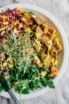 Crunchy Crusted Sweet Potato Lunch Bowl w/ Golden Dressing #vegan #glutenfree | Dolly and Oatmeal