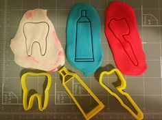 If you have a custom shape or logos in mind please contact us for your unique custom orders. This listing is for Tooth, Tooth Brush, and Toothpaste Cookie Cutter Set , You can select your own size. gr
