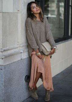A little blush tone palette is sometimes the prettiest palette. It's fun to play dress up in your...