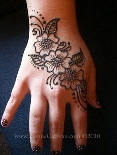 flower henna mehndi design