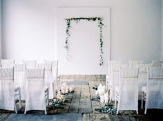 Simply gorgeous ideas for the minimalist bride.