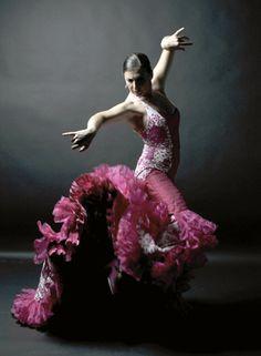 Flamenco dancer Más