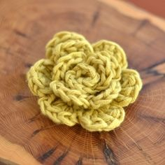Accessorize with this quick and easy crochet flower pattern. Put on scarves, hats, bags, pins...whatever you you like!