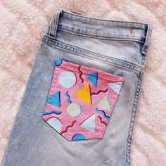 good morning everyone! Heres another pocket painting, and wow I really like how this turned out ? Sou good morning everyone! Heres another pocket painting, and wow I really like how this turned out ? Source by painting Diy Jeans, Cute Jeans, Painted Jeans, Painted Clothes, Diy Clothes Paint, Diy Fashion, Ideias Fashion, Fashion Outfits, Jeans Fashion